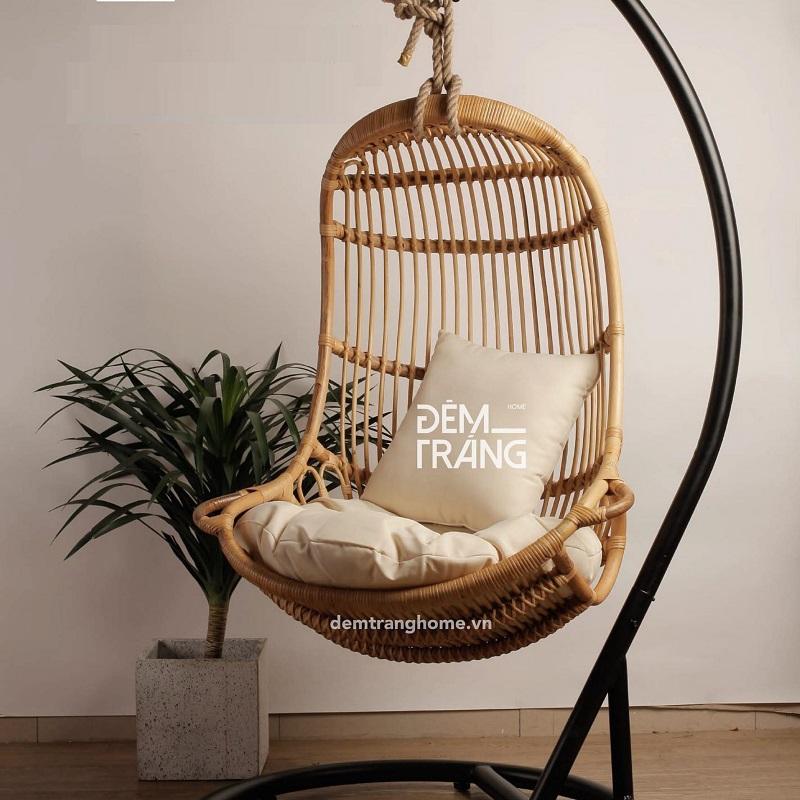 ゆったりできるラタン家具のハンギングチェアハンギングチェア 1人掛け 屋内用 ラタン家具 ハンモックチェア スイングチェア ラタンチェア スタンド付 クッション付 籐の椅子 輸入家具 アジアン家具