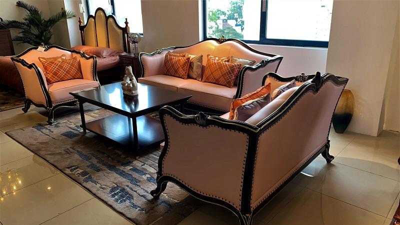 かわいいピンク色の7.5人用 3点ソファーセットデザイナーズソファ 姫系 3点セット 輸入家具 ピンク 猫脚 かわいい 高級ソファー リビングソファー ソファーセット エステ 待合室ソファー 椅子 応接セット